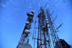 Torres de celulares na disputa